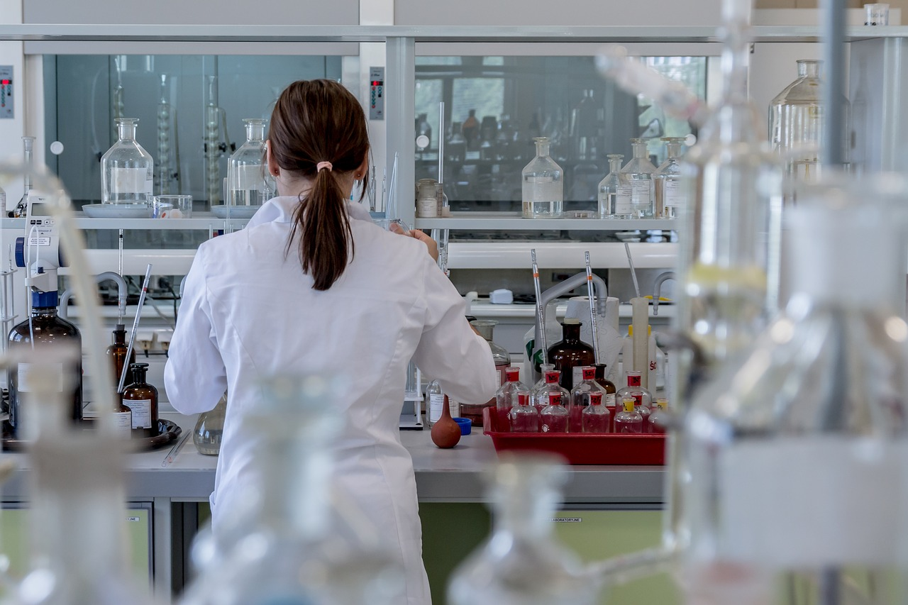 laboratory-2815641_1280.jpg